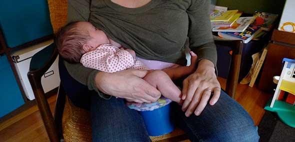 breastfeeding-over-tophat-EC